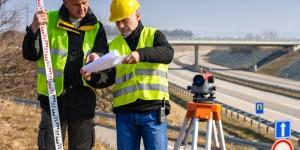 Geodeta – praca, zarobki i narzędzia pracy