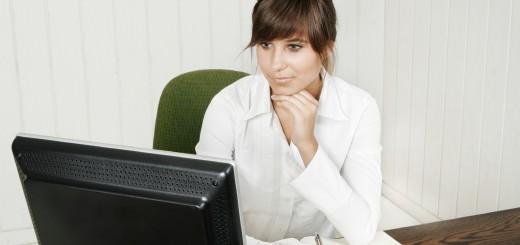 lady-at-computer2