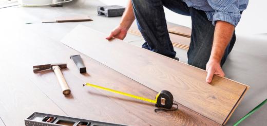 Accent-Renovations-Kelowna-installing-flooring