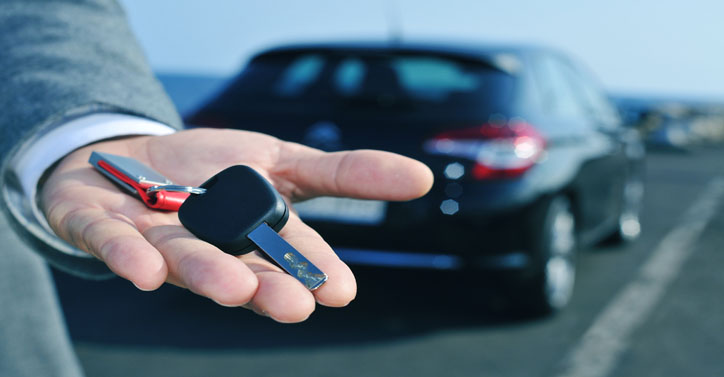 Car rental shutterstock_214359349