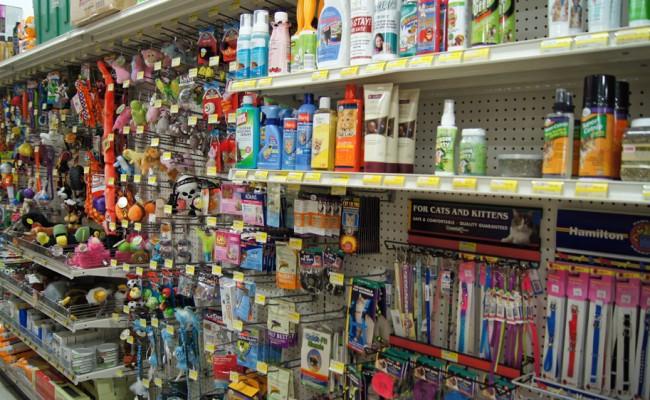 True-Value-Reedsburg-wi-pet-shop-cat-supply-toys-650x400