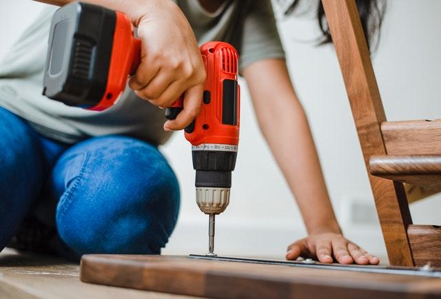 assemble-bolt-builder-1571175